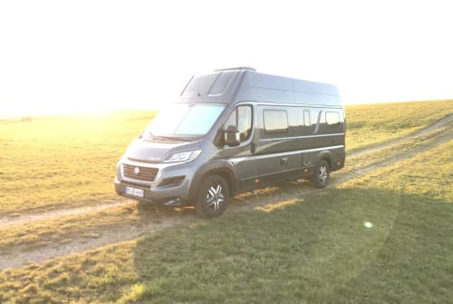 Buscamper Knaus Raumwunder in Pulheim huren van particulier