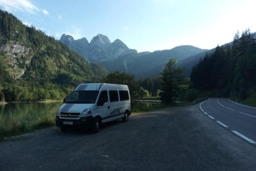 Buscamper Opel Fredy in Tulln an der Donau huren van particulier