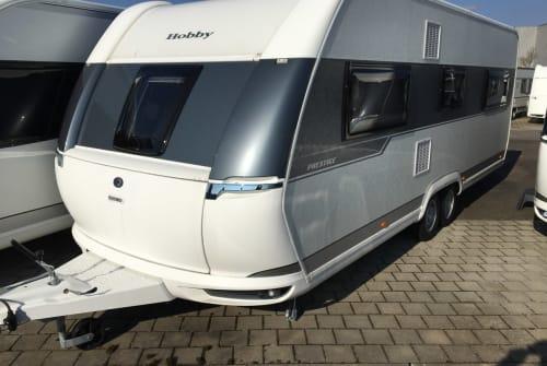 Caravan Hobby Der Dicke in Königsbach-Stein huren van particulier