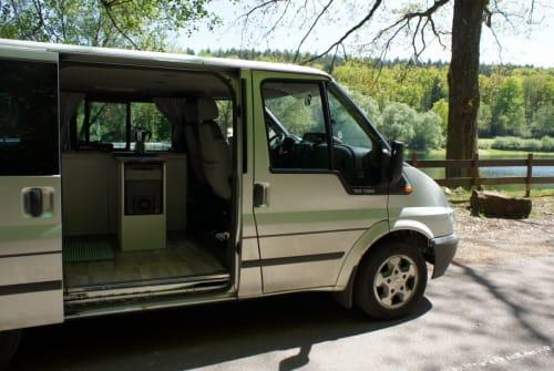 Kampeerbus Ford Rollf in Neustadt an der Weinstraße huren van particulier