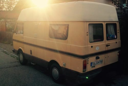 Kampeerbus Volkswagen Fliegender Goldklumpen in Geretsried huren van particulier