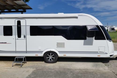 Caravan Hobby 540 KMFE  Hobby Premium in Günzburg huren van particulier