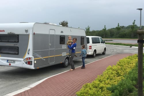 Caravan Dethleffs Family-Camper in Halstenbek huren van particulier