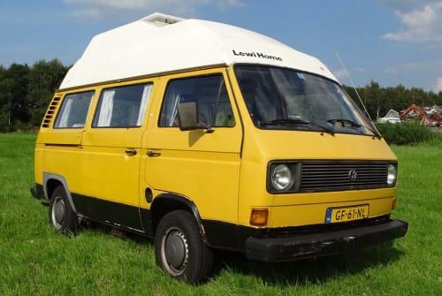 Kampeerbus Volkswagen Bûke        in Drachten huren van particulier