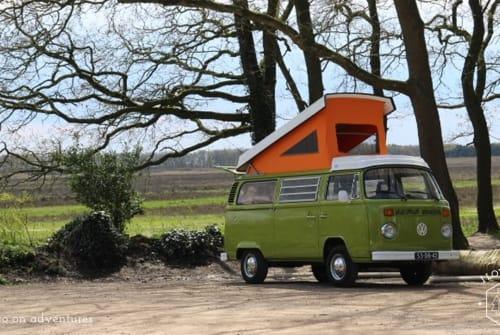 Buscamper Volkswagen VW T2 Westfalia in Bussum huren van particulier