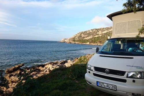 Kampeerbus Volkswagen Pecora Bianca in Tzaramonte huren van particulier