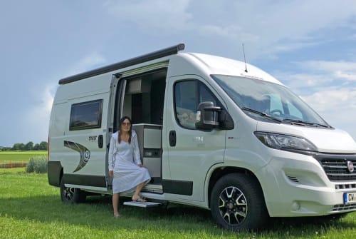 Buscamper Chausson Lucky Camper in Rohrdorf huren van particulier