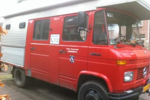 Buscamper Mercedes Bussie Rood in De Bilt huren van particulier