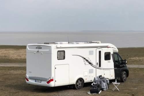 caravan wohnwagen f r zwei klein aber fein in edewecht. Black Bedroom Furniture Sets. Home Design Ideas