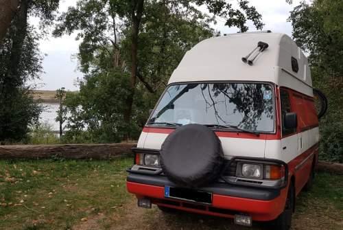 Kampeerbus Mazda  Olaf in Limbach-Oberfrohna huren van particulier