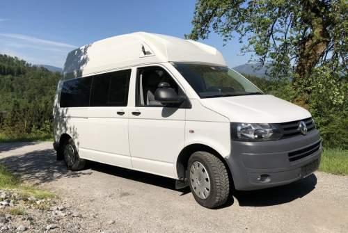 Kampeerbus VW T5 Bussi in Hallein huren van particulier