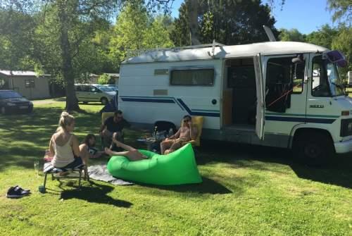 Halfintegraal Mercedes-Benz CamperFest #1 in Amsterdam huren van particulier