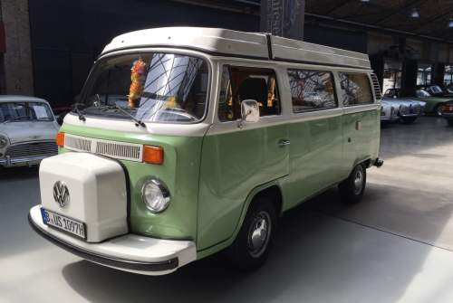 Kampeerbus VW Bus T2 B Camper Takatuka in Berlin huren van particulier