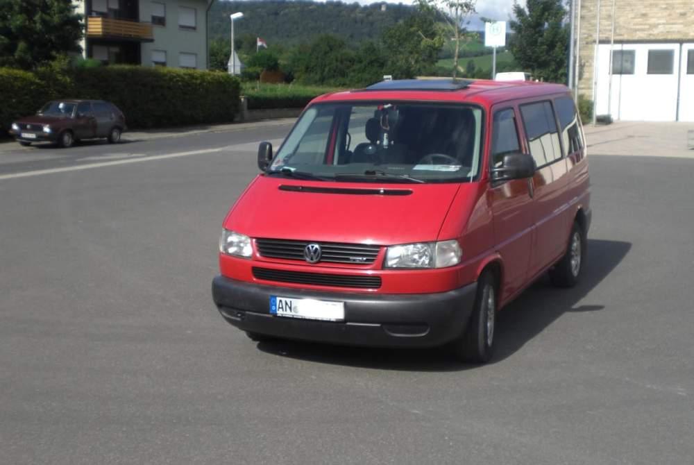 Kampeerbus Volkswagen Multivan Rot in Ansbach huren van particulier