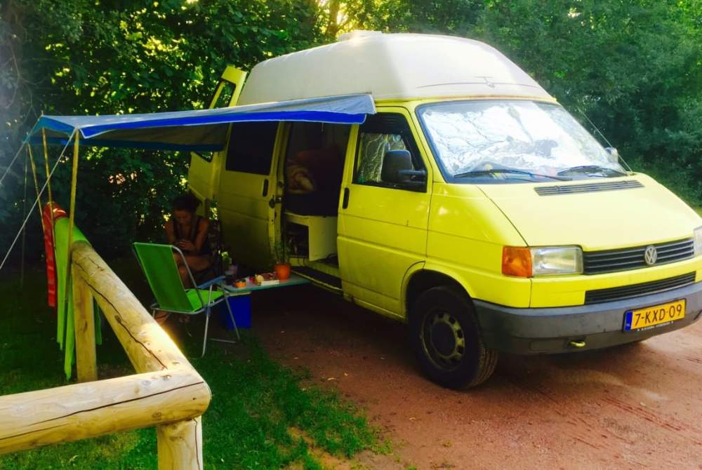 Buscamper Volkswagen t4 Albert  in Den Haag huren van particulier