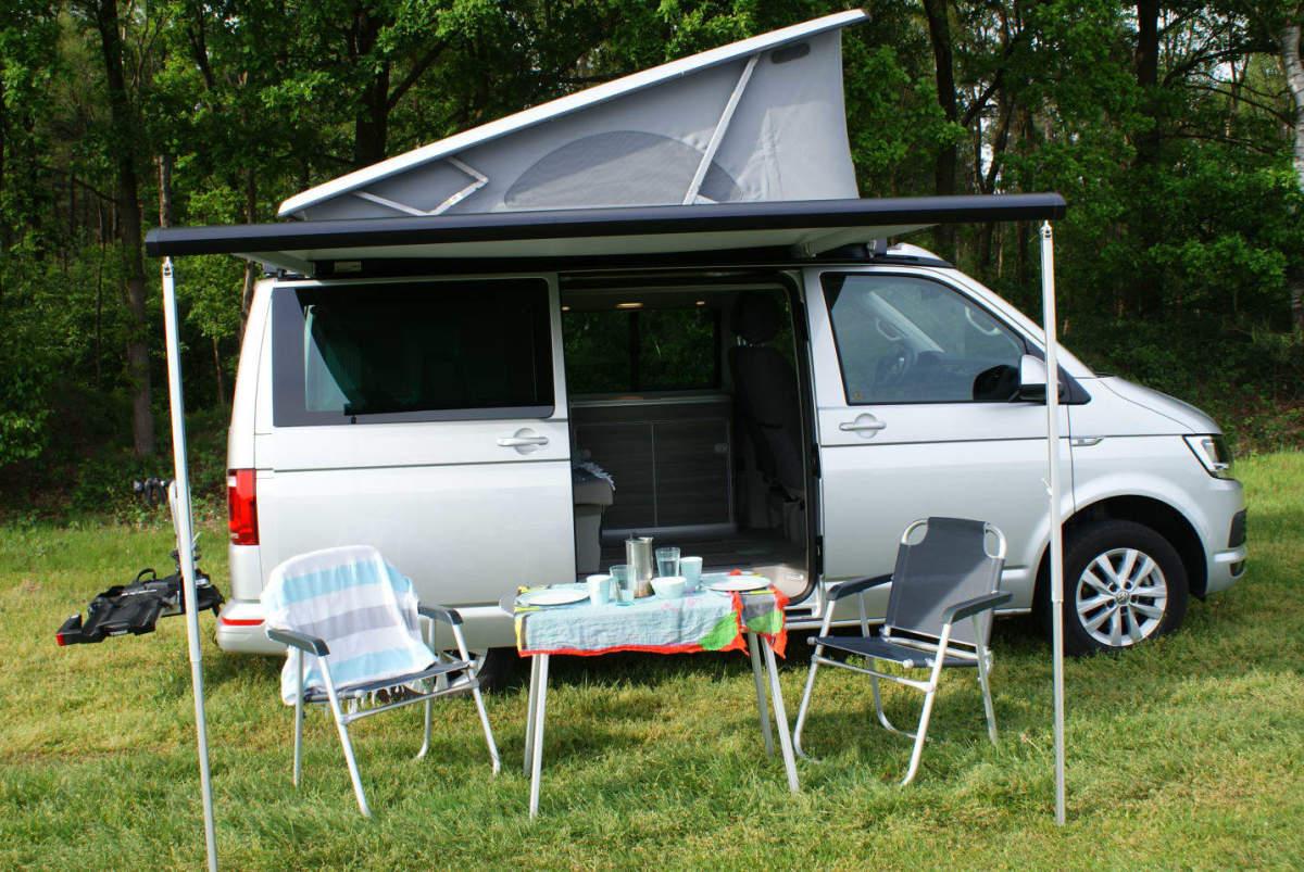 buscamper volkswagen california t6 in sint oedenrode. Black Bedroom Furniture Sets. Home Design Ideas