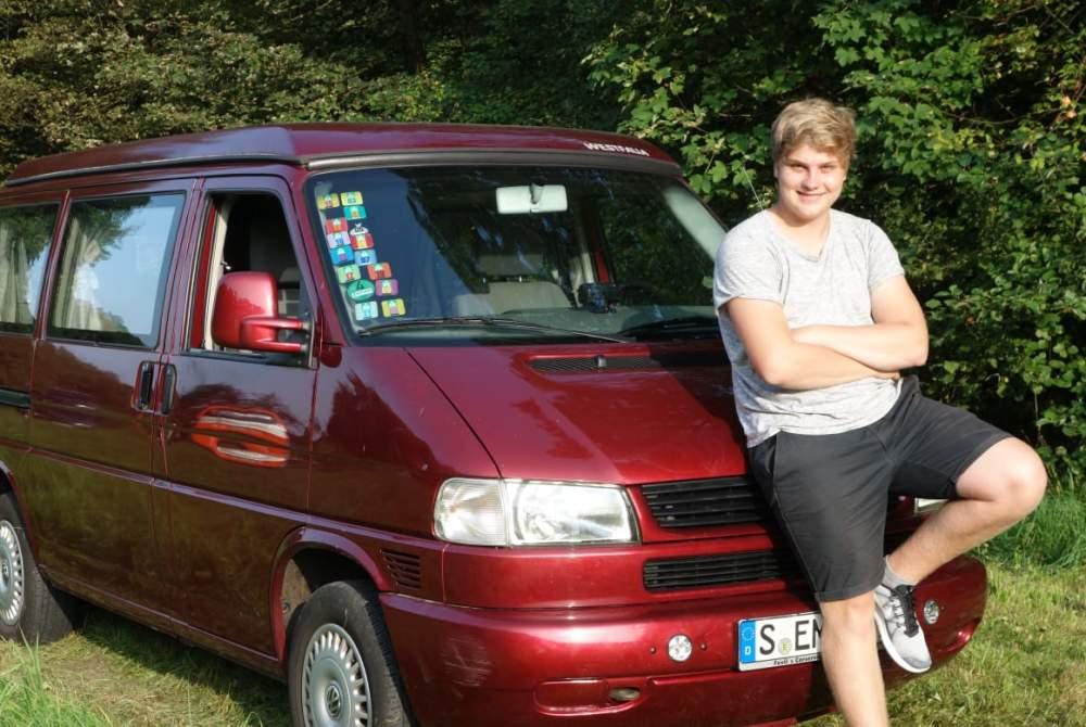Kampeerbus Volkswagen LeoCamper in Stuttgart huren van particulier