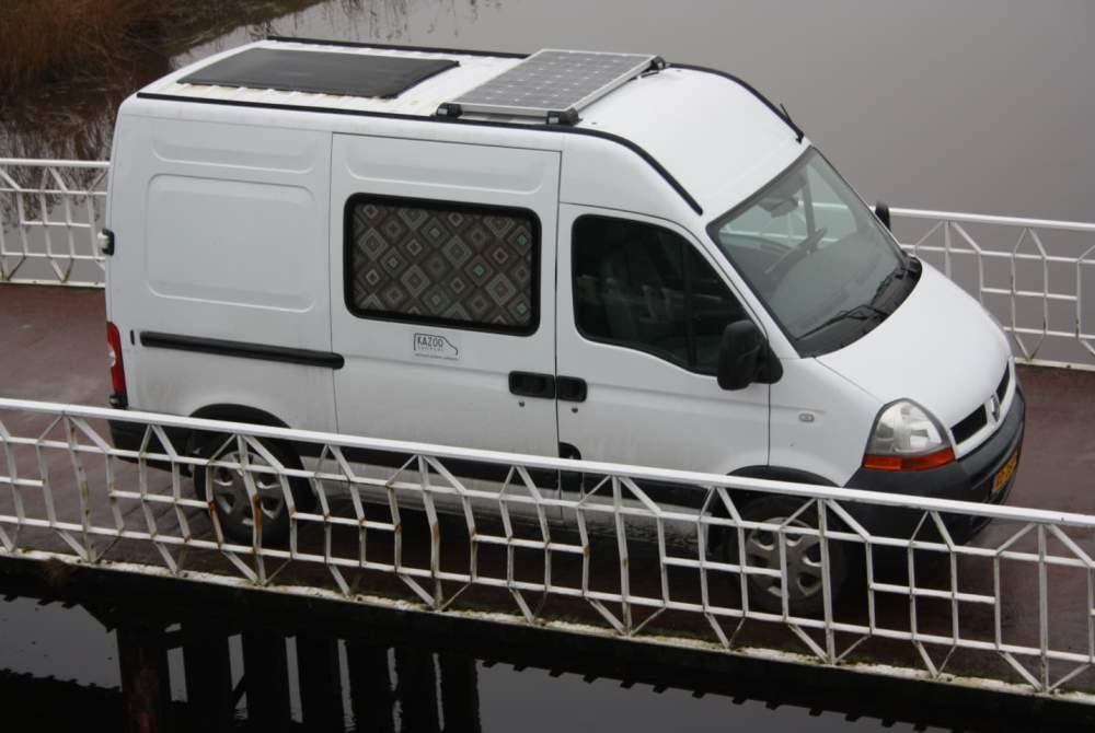 Kampeerbus Renault José: compact comfort -- UNIEK (020) in Amsterdam huren van particulier