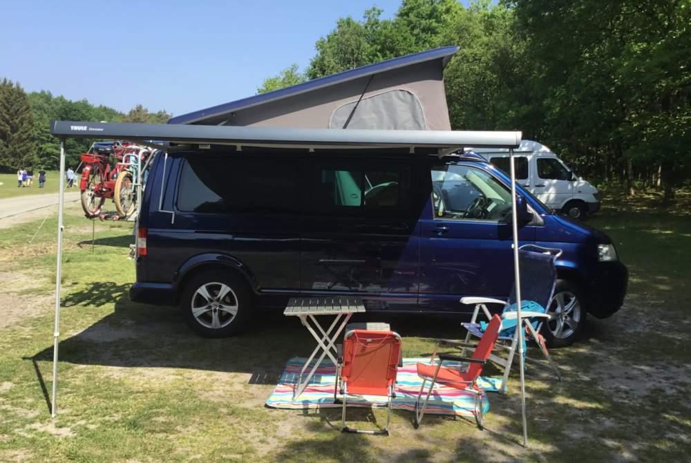 Kampeerbus Volkswagen T5 Sport en fietscamper in Soest huren van particulier